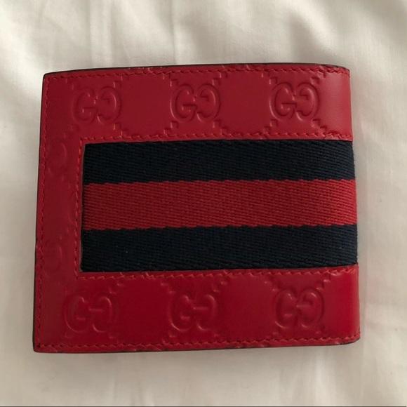39ca677afbf Gucci Signature Web Wallet